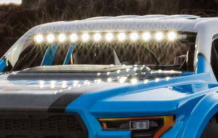 LED Lichtleiste vorne